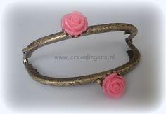 Portemonnee beugel 8,5cm bronskleurig met licht roze roosjes