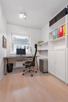 Kontor hyller Særdeles lekker og stilfull 3(4)-roms, omfattende rehabilitert