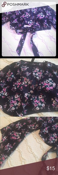 Forever 21 Bolero style Top Tie front top can be used as a top or a light cover up, truly beautiful in Navy, pink, green, white colors Forever 21 Tops Blouses