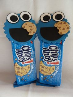 Cookie Monster party favor or holiday treats for school. DIY Halloween or Valentines snack. Monster Treats, Cookie Monster Party, Sesame Street Party, Sesame Street Birthday, Diy Halloween, Halloween Stuff, Halloween Halloween, Halloween Treats, Halloween Makeup