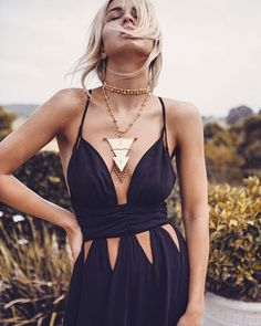 Boho chic, Festival fashions and Glam Rock outfits. Clothing, accessories and home wares Mode Hippie, Hippie Style, Bohemian Style, Hippie Chic, Gypsy Style, Bohemian Summer, Boho Gypsy, Boho Chic, Look Fashion