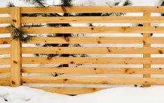 Un model de gard din lemn care a fost produs de noi, Mobina SRL Suceava. Credem ca arata bine pe fundal de iarna. Voi ce spuneti? Model, Design, Scale Model, Models, Template, Pattern, Mockup