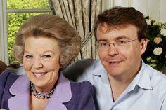 Prins Friso wordt vrijdag begraven in familiekring Prins Friso met de voormalige koningin Beatrix in 2005.