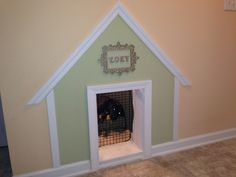 built doghouse under stairs Under the stairs dog house built in dog house . in dog house built und Dog Kennel Cover, Diy Dog Kennel, Diy Dog Bed, Dog Kennels, Dog Beds, Under Stairs Dog House, Dog Area, Crate Shelves, Dog Rooms