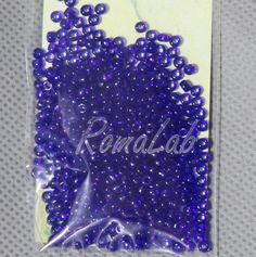 6 grammi di rocailles 10-0 da 2,2 mm di colore blu scuro. Price €0,95