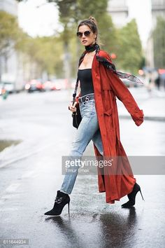 PARIS, FRANCE - SEPTEMBER 30: Alessandra Ambrosio is wearing... #saintorens: PARIS, FRANCE - SEPTEMBER 30: Alessandra Ambrosio… #saintorens