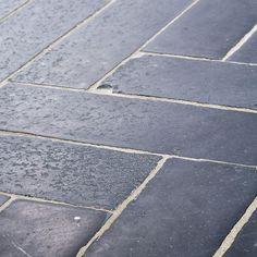 Nero Parquet | Materials | Lapicida