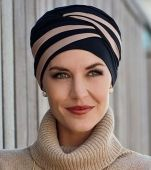 Shanti by Christine Headwear A modern and elegant turban, which is very easy to fit and style. Turban Mode, Hijab Turban Style, Turban Hut, Turban Tutorial, Turbans, Head Scarf Styles, Bad Hair, Mode Style, Headgear
