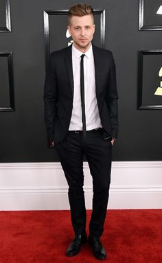 Grammys 2017: Celebrity Arrivals, Photos