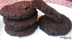 lenmagliszt, keksz, nyílgyökérliszt Cookies, Chocolate, Food, Crack Crackers, Biscuits, Essen, Chocolates, Meals, Cookie Recipes