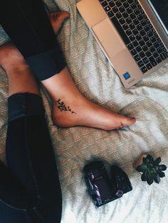 Thai tattoo klein _ thailändisches tattoo klein _ tatouage thaï klein _ tatuaje tailandés klein _ thai tattoo sak yant, thai tattoo meaning, thai tattoo designs, thai tattoo women, thai Inside Ankle Tattoos, Inner Ankle Tattoos, Ankle Tattoos For Women, Tiny Tattoos For Girls, Ankle Tattoo Small, Cute Small Tattoos, Small Tattoo Designs, Cool Tattoos, Awesome Tattoos
