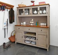 Love the dresser...and the teapots