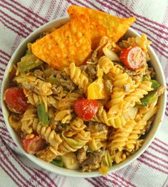Doritos Locos Taco Pasta Salad Taco Salad Recipes, Taco Salads, Cucumber Recipes, Mexican Macaroni Salad, Mexican Chicken Casserole, Baked Chicken Tacos, Chicken Dips, Taco Ingredients, Summer Side Dishes