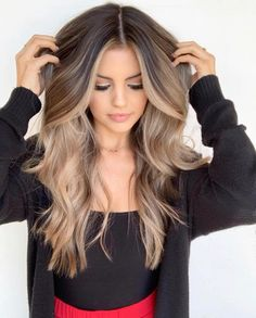 hair goals 💁🏼♀️ – hair goals 💁🏼♀️ – Related posts: Hair and make up goals Copper golden honey blonde balayage hair color golden balayage hair✨ Hair cut color – # cut Brown Blonde Hair, Balayage Hair Brunette With Blonde, Ombre Hair Color For Brunettes, Light Brown Hair, Blonde Fall Hair Color, Blonde To Brunette Before And After, Hair Color Ideas For Brunettes For Summer, Sand Blonde Hair, Balayage Before And After