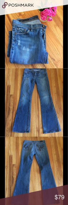Citizens of Humanity Low Waist Flare Jeans Low waist flare Citizens of Humanity Jeans. There is a little stretch to the material which makes them super comfy. The jeans are in great condition. There is a little visible wear on the legs, but all the hemlines, pockets etc. are in great shape. Citizens of Humanity Jeans Flare & Wide Leg