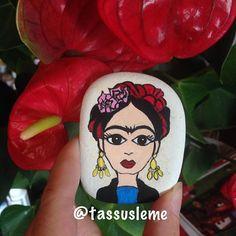 Yapmak isteyip de bir türlü fırsat bulamadığım Frida Kahlo çalışmasını Zeynep Hanım için tamamladım.Umarım beğenirsiniz❤️❤️
