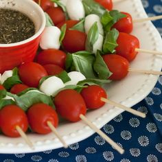 Love caprese salad on a stick! These are so cute