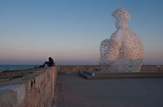 "words and the sea - the sculpture ""nomade"" by jaume plensa in antibes"