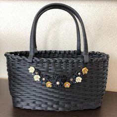 写真の説明はありません。 Miscellaneous Goods, Basket Weaving, Handicraft, Straw Bag, Monogram, Michael Kors, Embroidery, Purses, Yukari