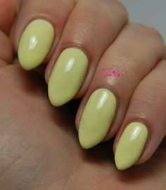 Looking for easy nail art ideas for short nails? Look no further here are are quick and easy nail art ideas for short nails. Essie Nail Polish Colors, Nail Polish Sets, Nail Colors, Short Nail Designs, Nail Designs Spring, Pastel Nails, Acrylic Nails, Nail Manicure, My Nails