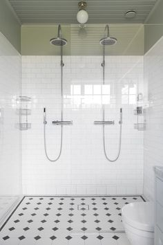 Whether you are aiming to remodel only a little part of your restroom or a big part of it, there is a likelihood that you may be in the market for a new toilet. Diy Bathroom, New Toilet, Bathroom Interior, Bathroom Renovations, Mold In Bathroom, Bathroom Flooring, Luxury Bathroom, Bathrooms Remodel, Bathtub