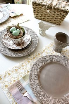 Decorating tables for Easter and spring