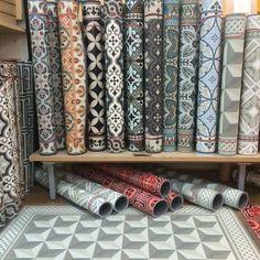 papier peint vinyle sur intiss graham brown carreaux de ciment gris papier peint vinyle. Black Bedroom Furniture Sets. Home Design Ideas