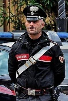 Heiße blonde Polizistin
