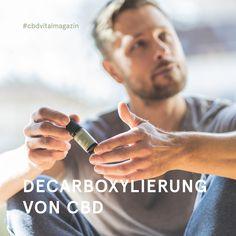 Die Decarboxylierung ist ein notwendiger Vorgang bei der Gewinnung von CBD Öl ➡ Durch Erhitzen werden dabei die in der Hanfpflanze enthaltenen Säure-Formen in ihre aktive Form umgewandelt. Aus der Vorstufe CBDA entsteht dann CBD 🌱 Rings For Men, Hemp, Feel Better, Interesting Facts, Men Rings