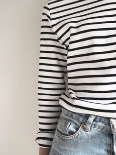 Breton stripe top, how to wear stripes, minimalist style, french chic, classic outfit ideas, style over 40