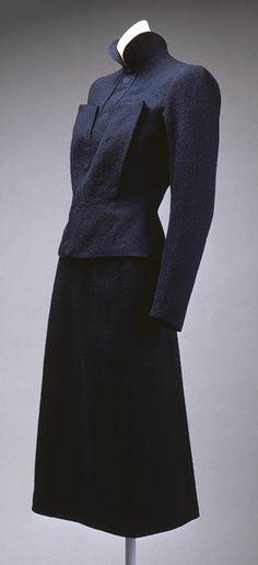 Elsa Schiaparelli: Suit (1974.338.1a,b) | Heilbrunn Timeline of Art History | The Metropolitan Museum of Art