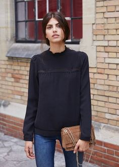Black top and jeans WOMEN'S JEANS http://amzn.to/2l7Qdaw