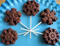 Foodalution: Milk Chocolate Snowflake Pops