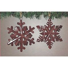 Amazon.com: Sweet and small rustic snowflake string art wooden block - A unique gift for Birthdays, Christmas, Weddings, Anniversaries and House Warming gifts, Perfect for ski cabins.: Handmade