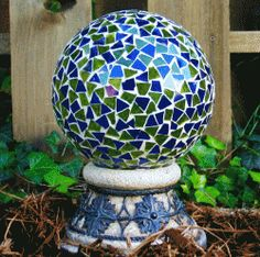 How To Mosaic - Art For Your Garden - flower pots, stepping stones, bird baths, gazing balls, etc. Video tutorials included on this excellent post!