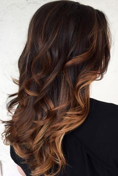 Learn the trendiest hair colors for this winter: smokey blonde hair, caramel brown hair, dark red, silver hair color, browned blonde hair, tiger eye hair