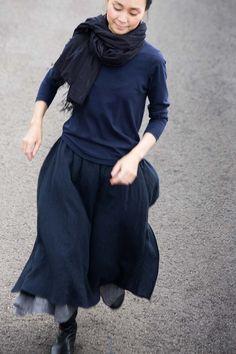 Skirt wool, linen Sep, 2015 Photograph by Yuriko Takagi Fashion Mode, Blue Fashion, Modest Fashion, Look Fashion, Winter Fashion, Vintage Fashion, Womens Fashion, Fashion Design, Looks Style