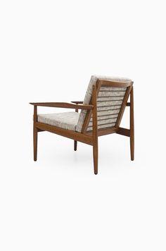 Arne Vodder easy chairs produced by Glostrup in Denmark at Studio Schalling #midcenturymodern #arnevodder