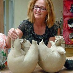 Jeanne te Dorsthorst Ceramic Figures, Clay Figures, Ceramic Artists, Pottery Sculpture, Sculpture Clay, Ceramic Clay, Ceramic Pottery, Sculptures Céramiques, Ceramic Sculptures