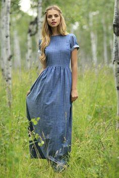 Veja como usar os vestidos jeans que vão ser a cara do verão!                                                                                                                                                                                 Mais