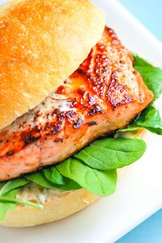 How to make pan seared salmon burgers with a spicy chipotle mayonnaise in under 30 minutes