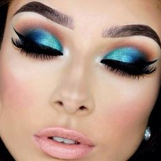 Gorgeous Makeup: Tips and Tricks With Eye Makeup and Eyeshadow – Makeup Design Ideas Beautiful Eye Makeup, Love Makeup, Makeup Inspo, Makeup Art, Hair Makeup, Fun Makeup, Peacock Eye Makeup, Make Up Looks, Make Up Designs