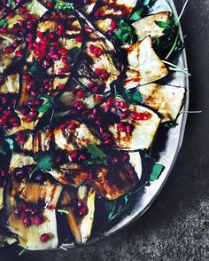 "🌿 Adding this to my running list of ""last meal"" eats. The silkiest eggplant with pomegranate molasses, toasted cumin seeds, lemon tahini, arugula. Best. ••• @krogerco @mysmithsgrocery 👏🏻👏🏻 #food52 #thekitchn #glutenfreefood #bbretreat"
