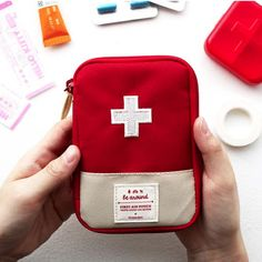 MochiThings.com: Essential Pouch Collection | My Note: Great idea to carry medications in!