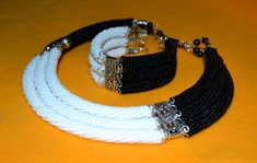 Моя Шахматная Королева! Bead Embroidery Jewelry, Beaded Jewelry Patterns, Beaded Embroidery, Beading Patterns, Bead Crochet Patterns, Bead Crochet Rope, Beaded Crochet, Rope Necklace, Beaded Necklace