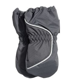 Padded mittens with elastication and reflective detail at wrist and Thinsulate™ lining.H&M US