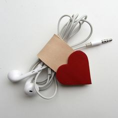 Earbud / earphone / cable organizer in red and natural leather by RinartsAtelier