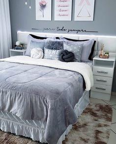 """12 mil curtidas, 66 comentários - AM HOME DECOR (@am.homedecor) no Instagram: """"Cinza e mais cinzaaaa! Quem também ama essa tendência de cores que ganhou nosso coração? Quarto…"""" Home Design Decor, Bed Design, House Design, Home Decor, Cozy Bedroom, Dream Bedroom, Bedroom Decor, My Room, My House"""
