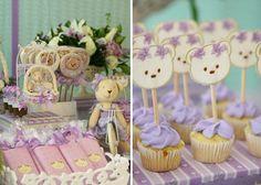 Mesa postres, cupcakes ositas lila