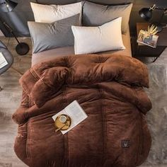 DecBest Luxury Flannel Quilt Winter Soft Warm Duvet Cotton Filling Comforter is fashion & kawaii, see other throw blanket on NewChic Mobile. Queen Bedding Sets, Queen Duvet, Quilt Bedding, Linen Bedding, Console, Flannel Quilts, Comfy Blankets, Winter Quilts, Down Comforter
